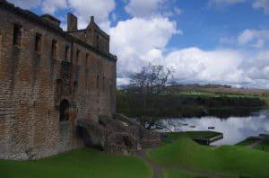Cum au apărut castelele în Scoția